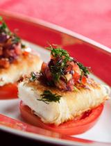 Wrap au fromage de halloumi grillé, pâte de knafeh et tomates rôties par chef Ali El Bourji